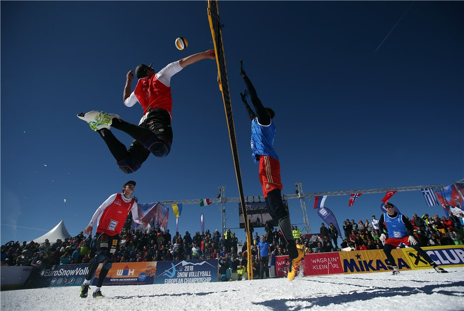 snow volleyball